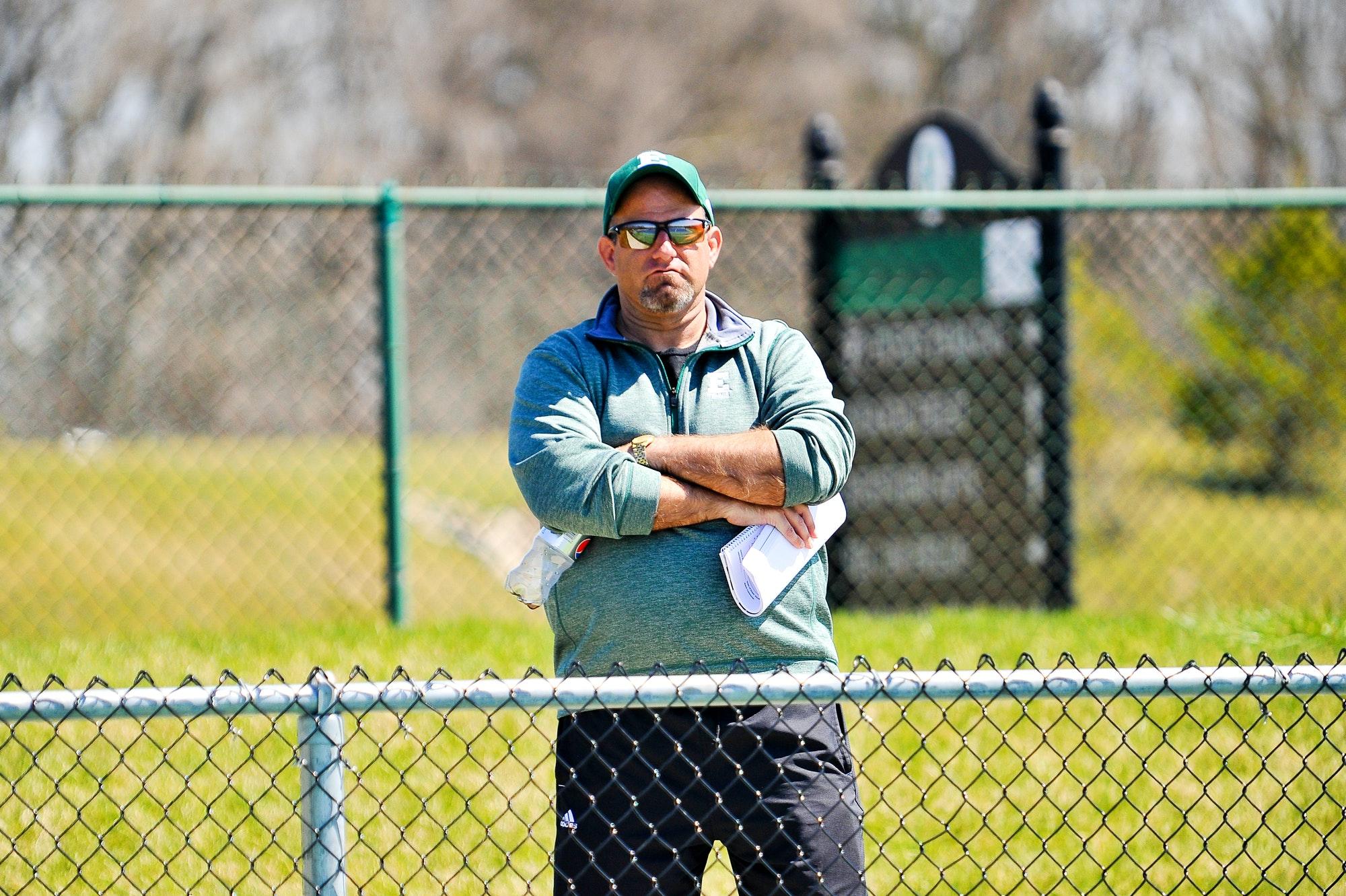 Ryan R. teaches tennis lessons in Omaha, NE