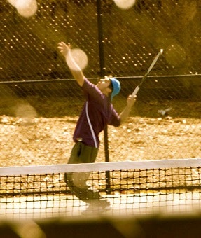 David F. teaches tennis lessons in Valley Village, CA