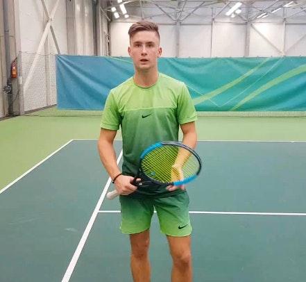 Ainis teaches tennis lessons in Irvine, CA