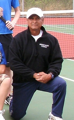 Arnie M. teaches tennis lessons in Lake Forest Park, WA