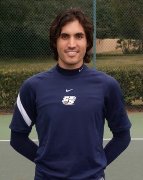 Thomas B. teaches tennis lessons in Los Angeles, CA