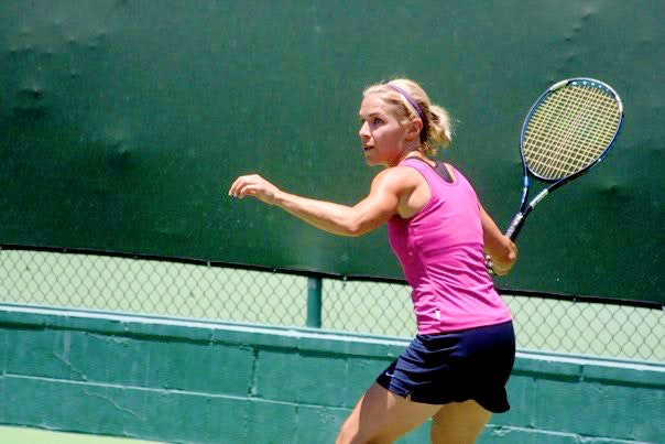Lisa B. teaches tennis lessons in Granada Hills, CA