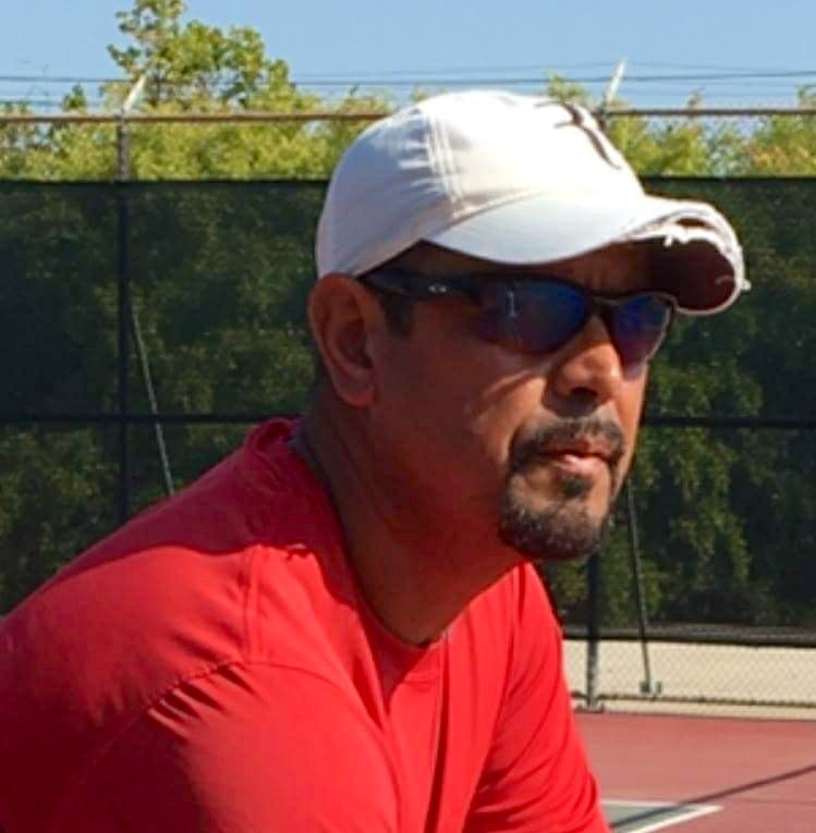 Mo R. teaches tennis lessons in Sierra Madre, CA