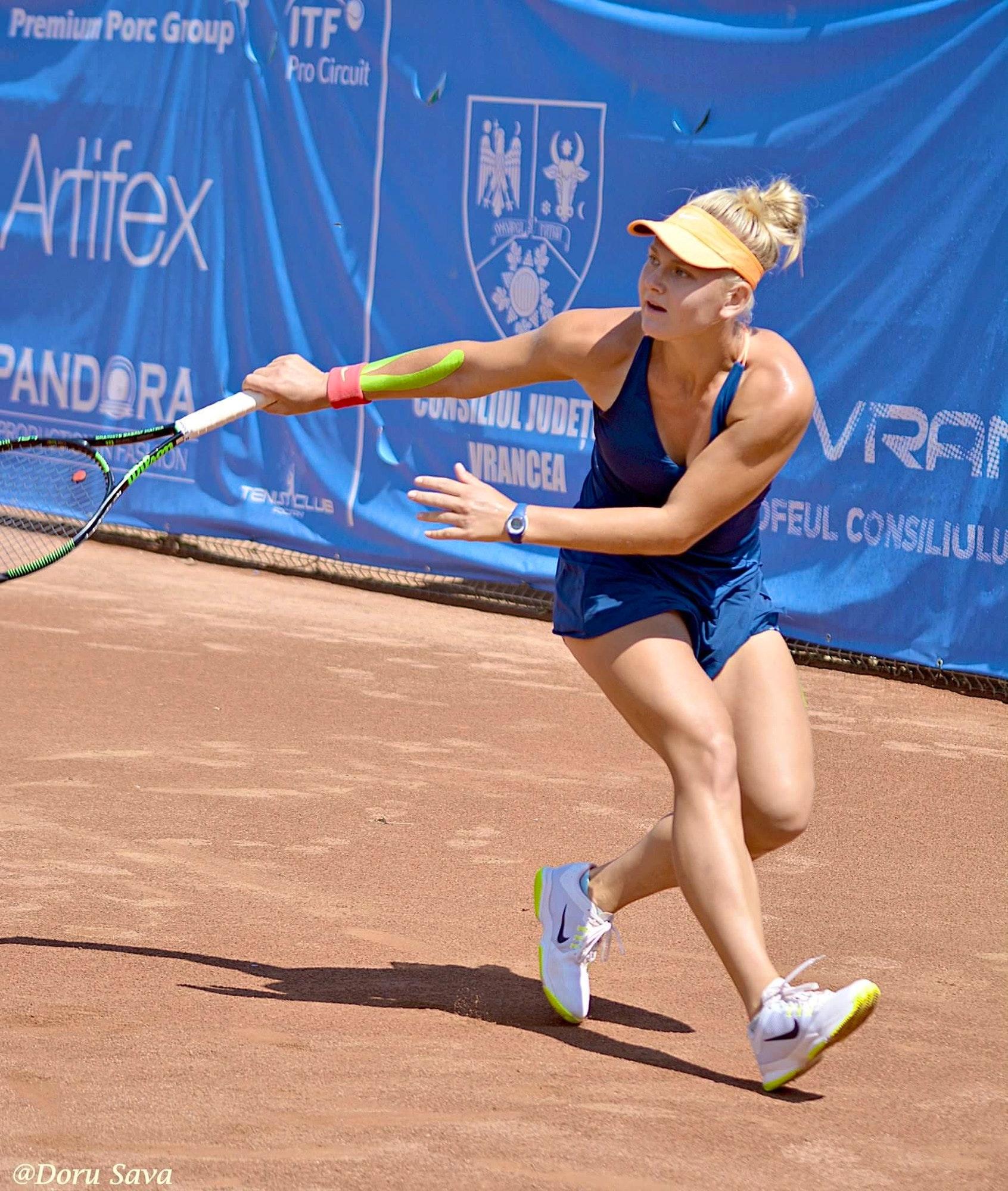 Sasha P. teaches tennis lessons in Stamford, CT