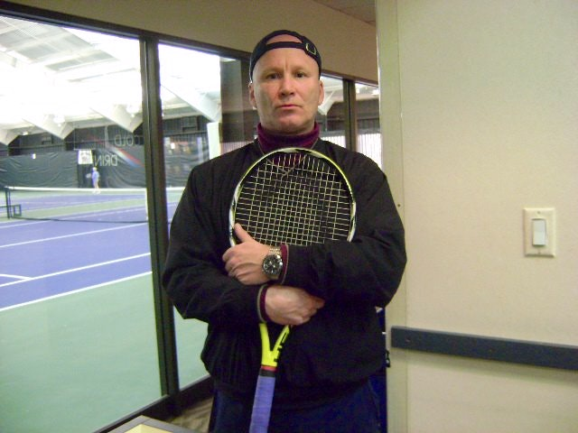 Matthew C. teaches tennis lessons in Des Plaines, IL
