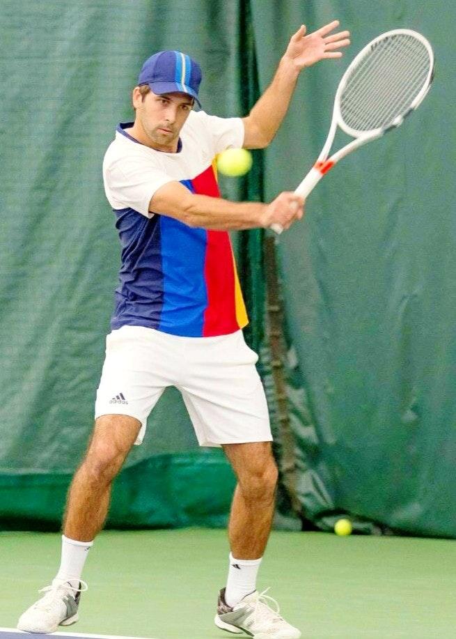 Arnau D. teaches tennis lessons in Santa Rosa Valley, CA