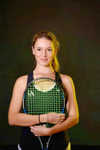 Berta A. teaches tennis lessons in Los Angeles, CA