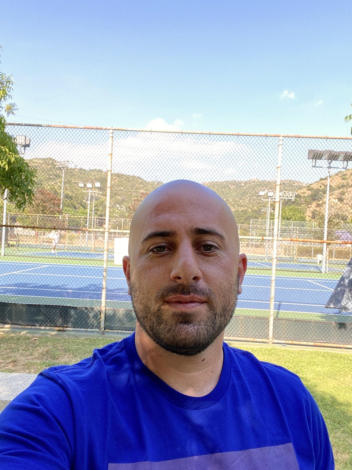 Hovsep G. teaches tennis lessons in Glendale , CA