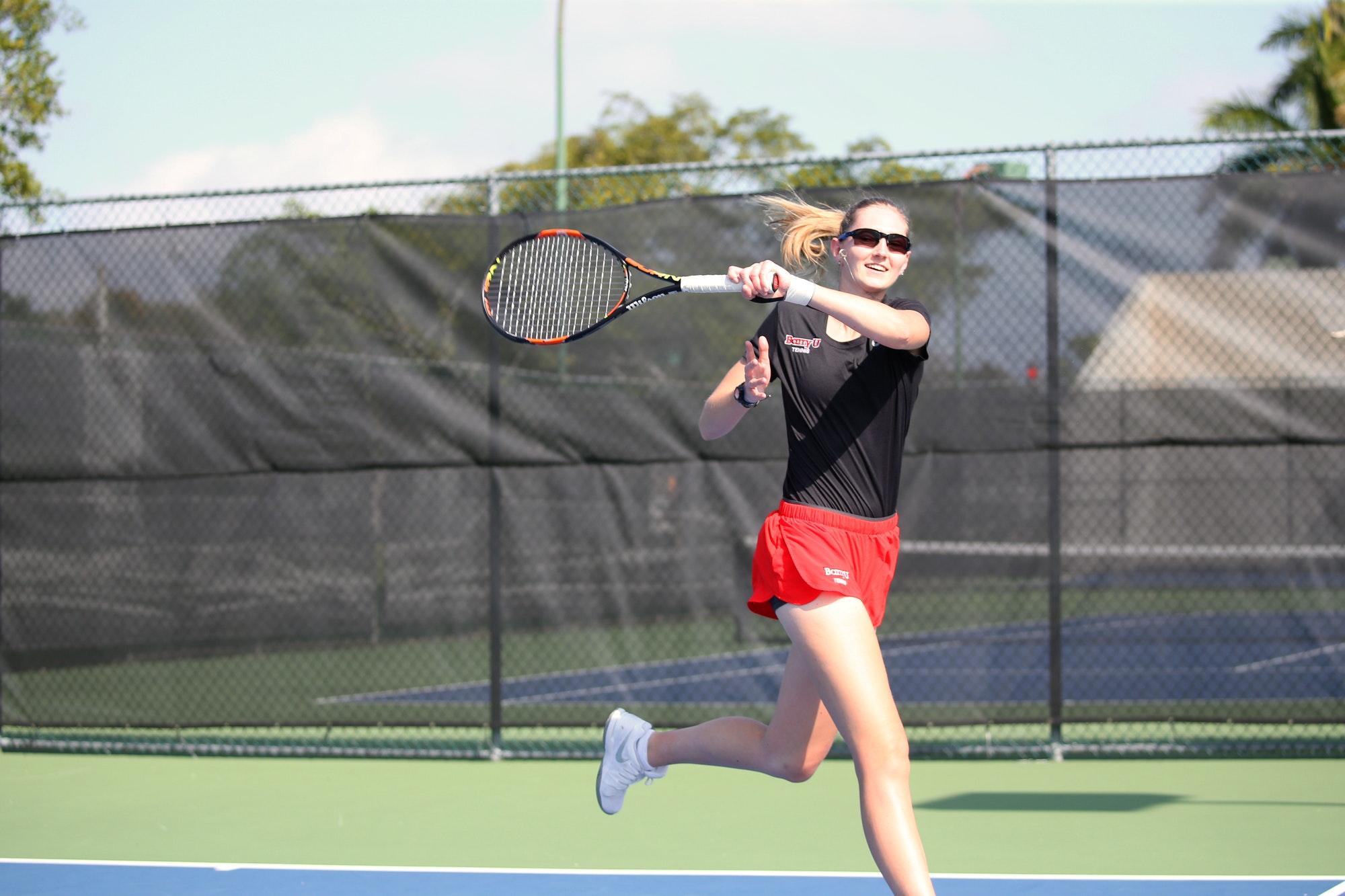 Zuzanna M. teaches tennis lessons in Orlando, FL