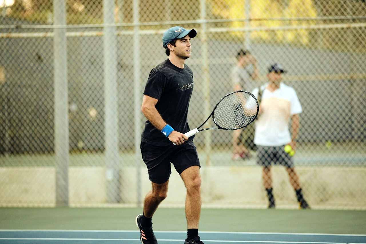 Cole M. teaches tennis lessons in Los Angeles, CA