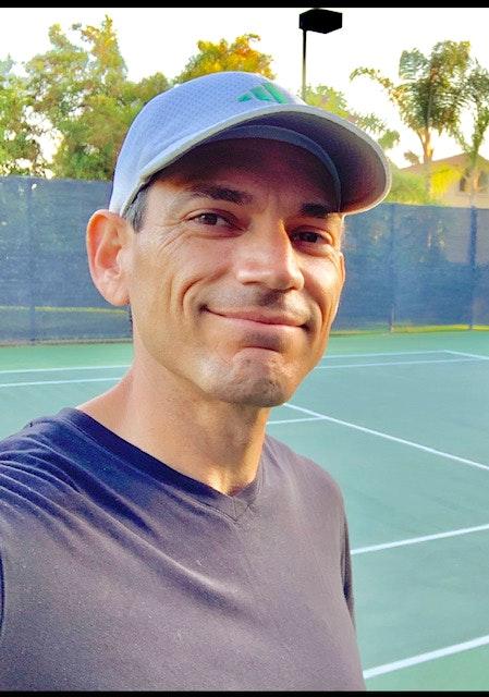 Nicholas H. teaches tennis lessons in Irvine, CA