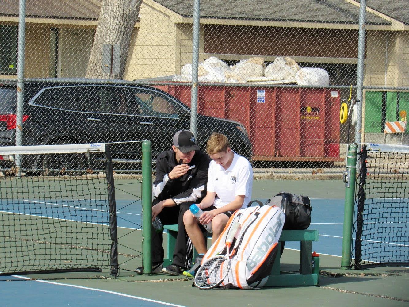 Grant T. teaches tennis lessons in Dallas, TX