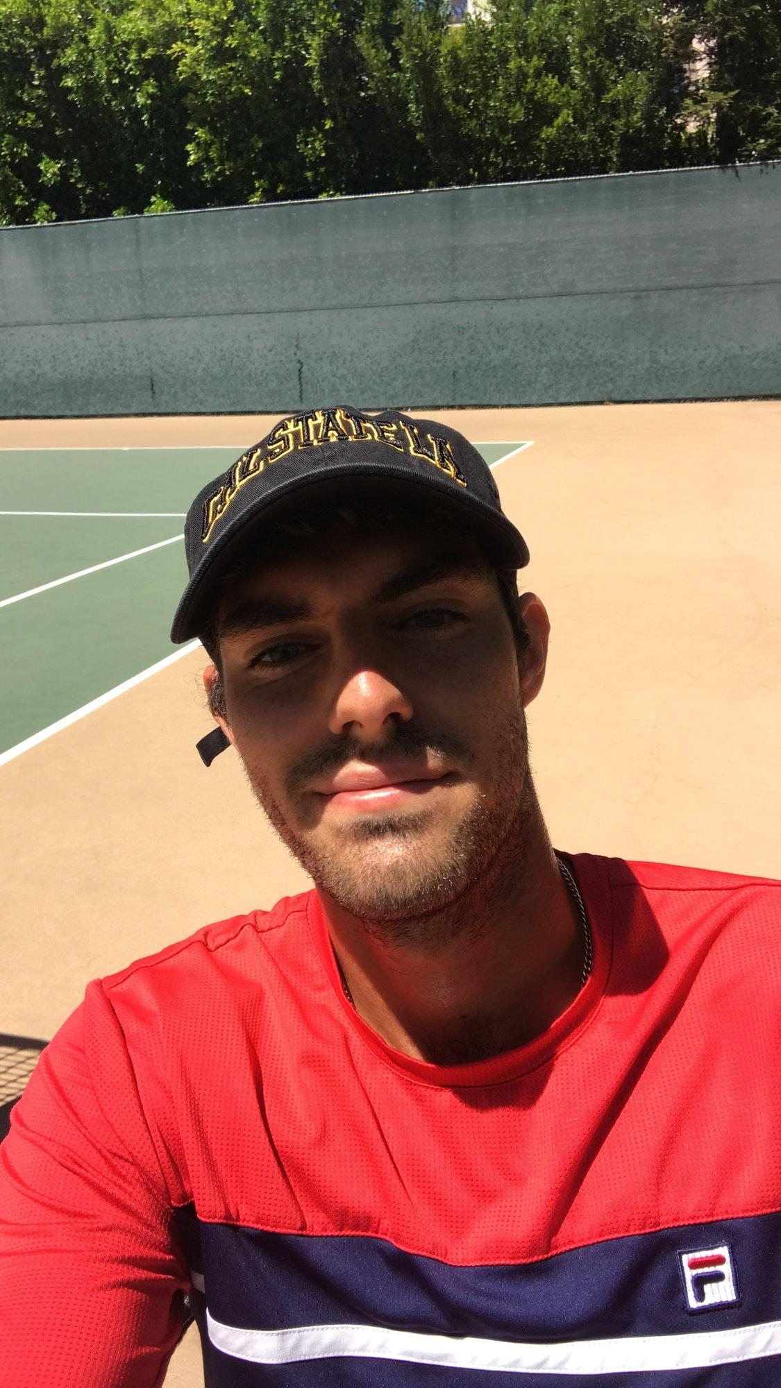 Nicholas S. teaches tennis lessons in Glendale, CA