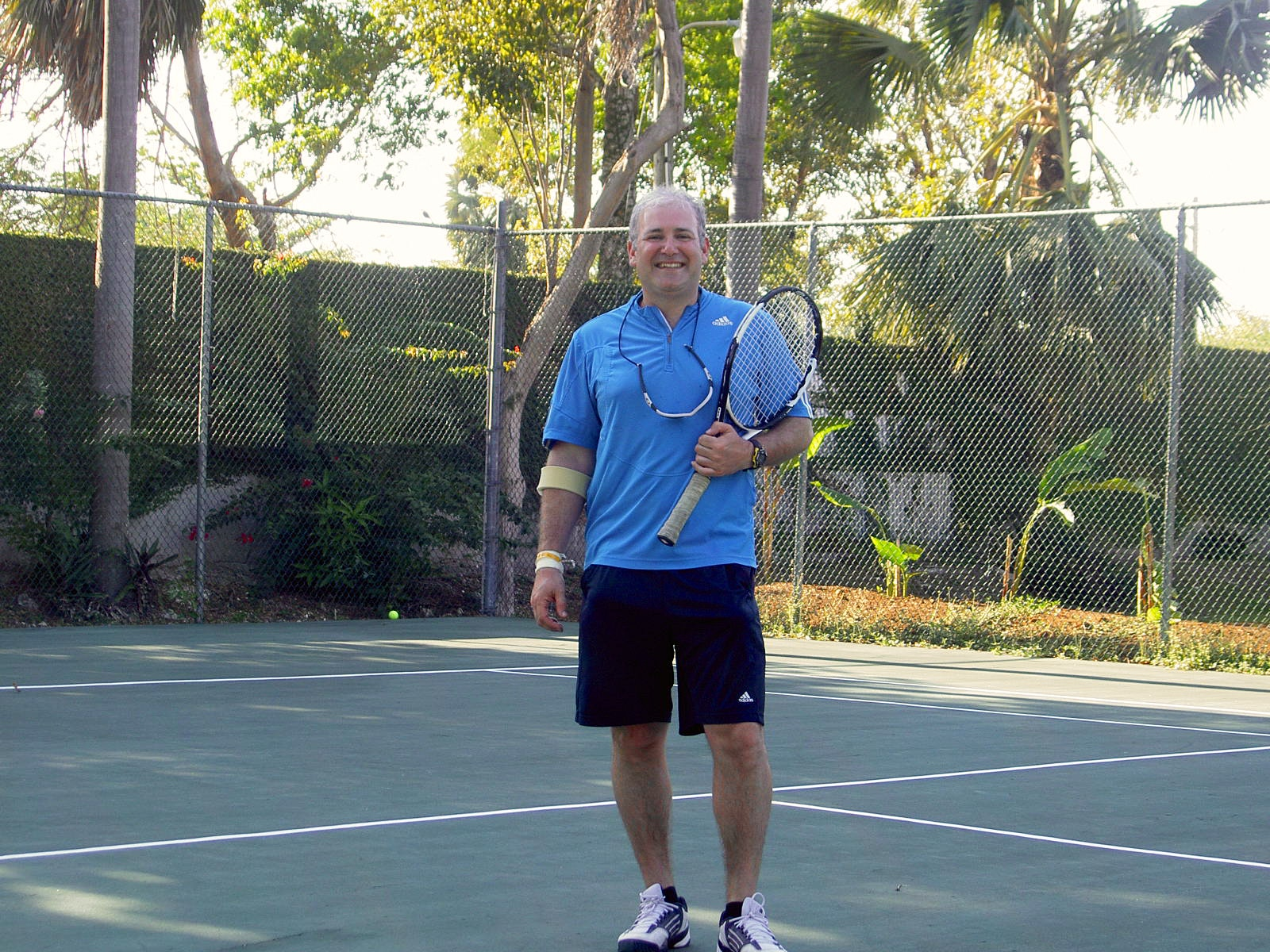 Jacques E. teaches tennis lessons in Dix Hills, NY
