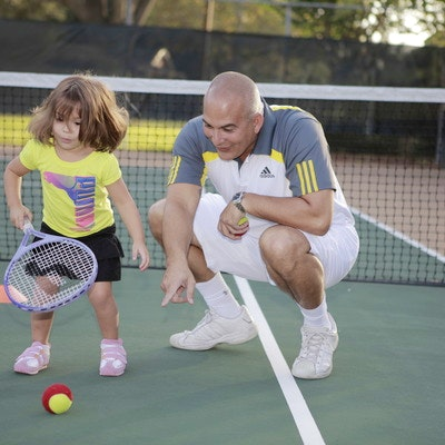 Marcus M. teaches tennis lessons in Orlando , FL