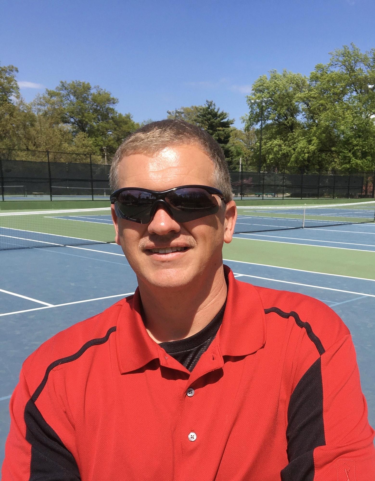 Brian K. teaches tennis lessons in Ballwin, MO