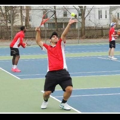 Kevin A. teaches tennis lessons in Orlando, FL