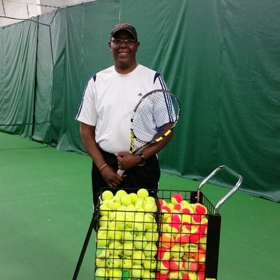 Mike T. teaches tennis lessons in Cincinnati, OH