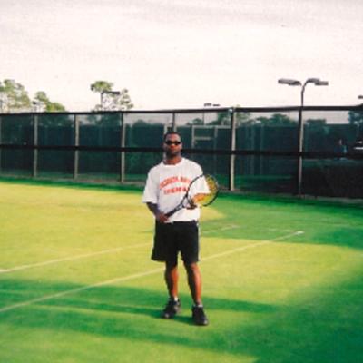 Ronald H. teaches tennis lessons in Fort Walton Beach, FL