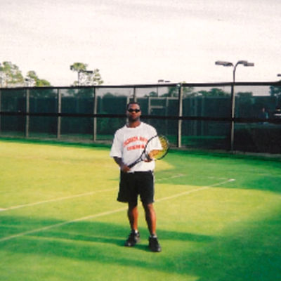 Ronald H. teaches tennis lessons in Fort Walton Beach, FL