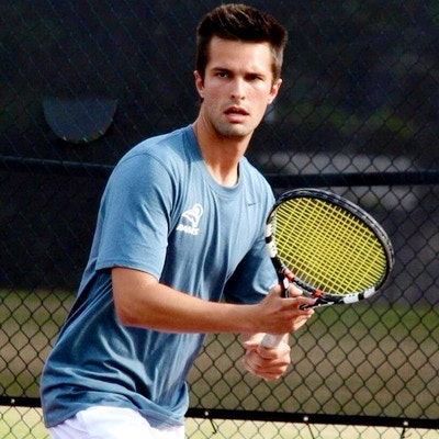 Guilherme P. teaches tennis lessons in Mobile, AL