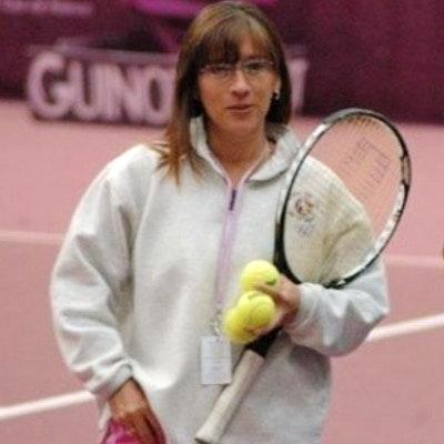 Lillian R. teaches tennis lessons in Houston, TX