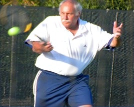 Barry P. teaches tennis lessons in San Jose, CA
