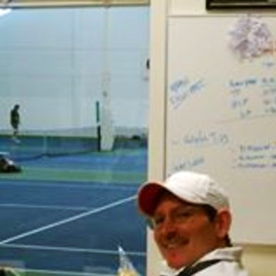 Scott F. teaches tennis lessons in Hillsboro, OR