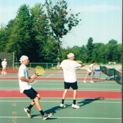 Nicholas B. teaches tennis lessons in Fairfax, VA