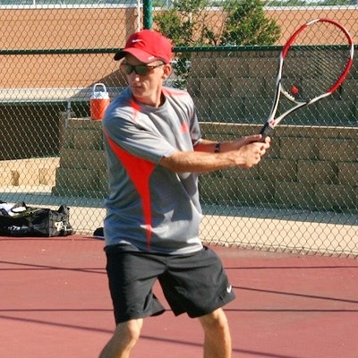 Lee G. teaches tennis lessons in San Antonio, TX