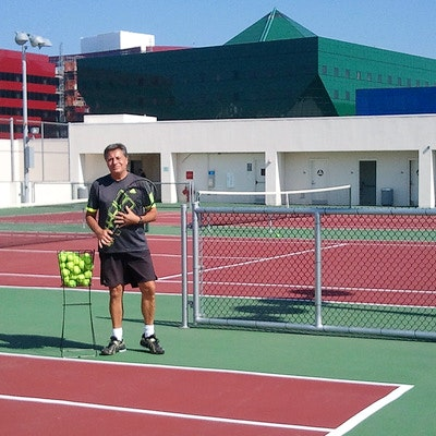 Harvey R. teaches tennis lessons in Tarzana, CA