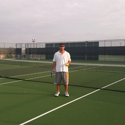 Greg L. teaches tennis lessons in San Antonio, TX