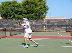Chris M. teaches tennis lessons in Austin, TX