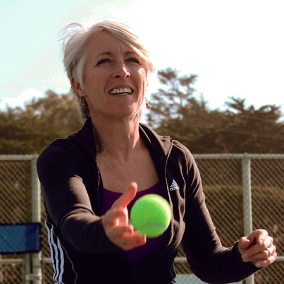 Shannon R. teaches tennis lessons in Pacifica, CA