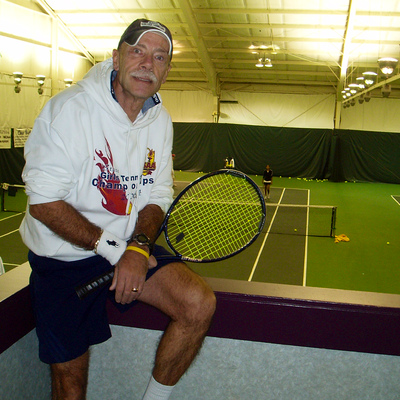 Les S. teaches tennis lessons in Reynoldsburg, OH