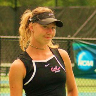Anastassiya Z. teaches tennis lessons in Aurora, CO