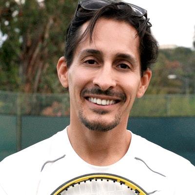 Alex M. teaches tennis lessons in Calabasas, CA