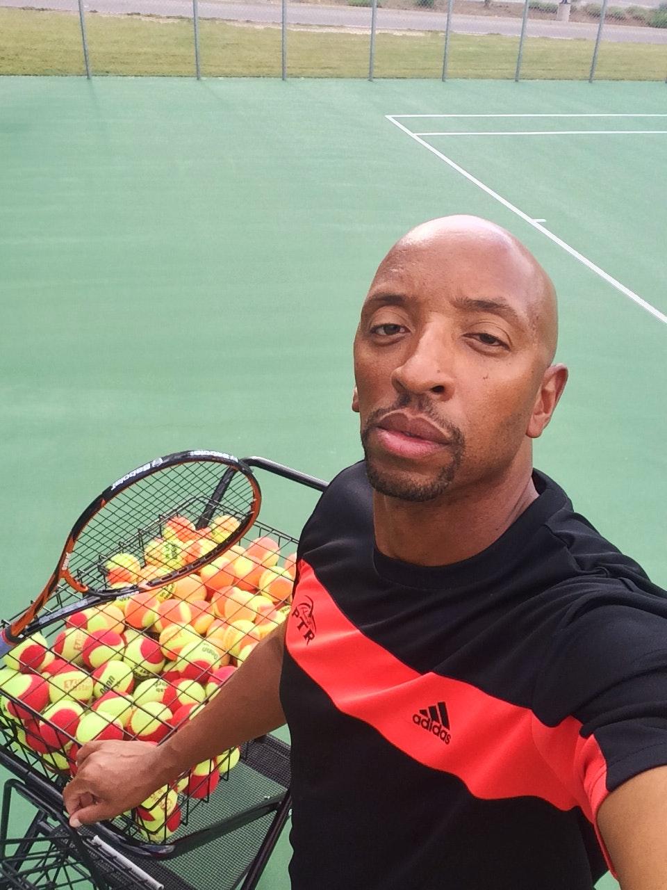 Noel W. teaches tennis lessons in Denver, CO
