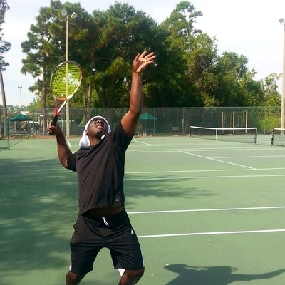 Samuel O. teaches tennis lessons in Orlando, FL