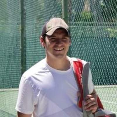 Matt H. teaches tennis lessons in San Francisco, CA