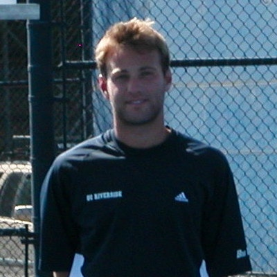 Ryan S. teaches tennis lessons in Los Angeles, CA