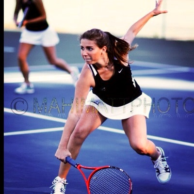 Kirsten teaches tennis lessons in Mobile, AL