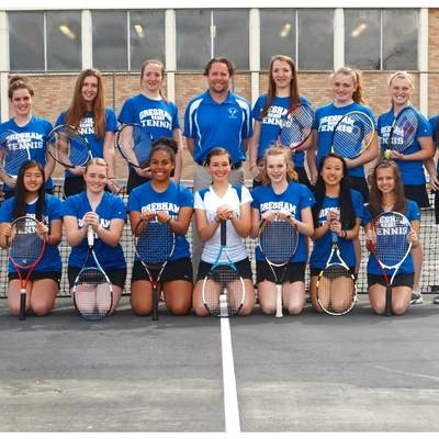 Alan S. teaches tennis lessons in Troutdale, OR