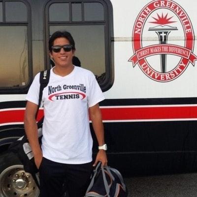 Edmundo T. teaches tennis lessons in Tigerville, SC