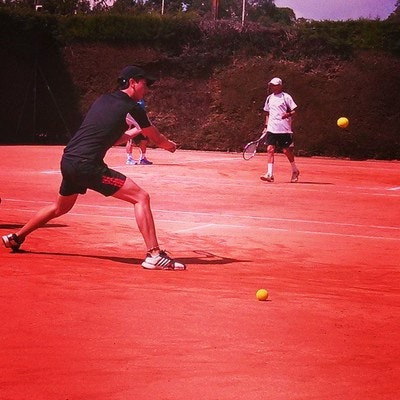 Armando teaches tennis lessons in North Miami, FL