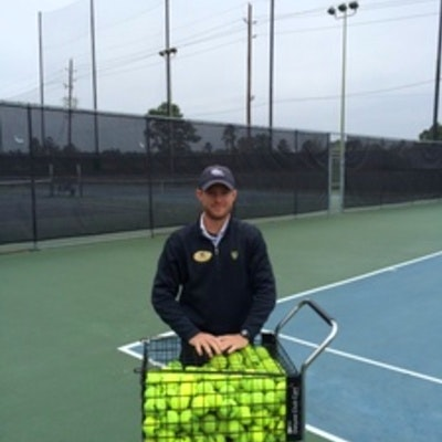 Stephen S. teaches tennis lessons in Austin, TX