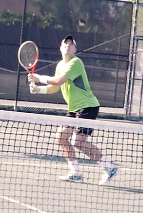 Dennis H. teaches tennis lessons in Sarasota, FL