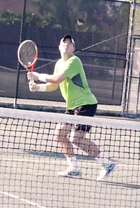 Dennis H. teaches tennis lessons in Sarasota, FL