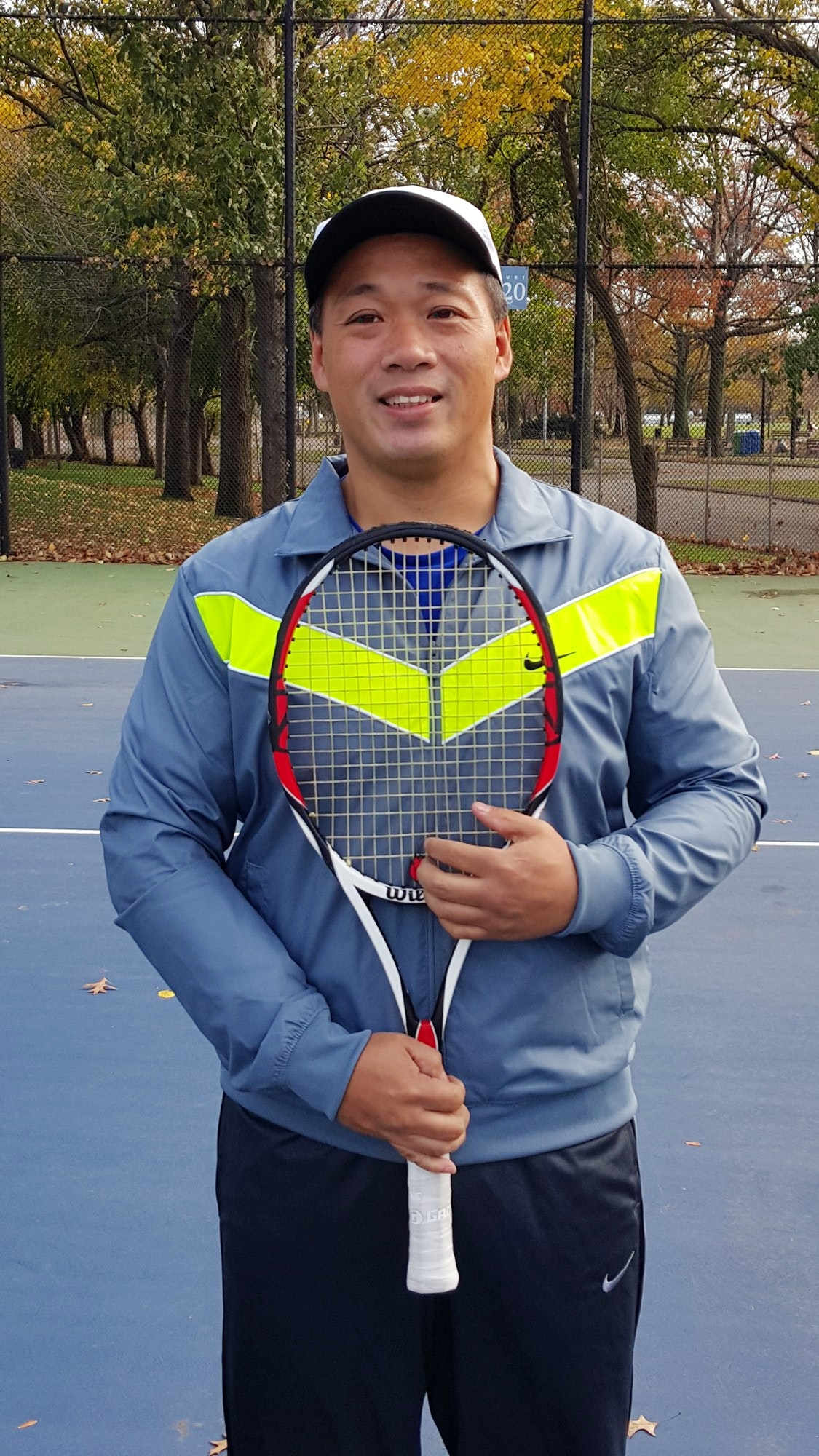 Warren F. teaches tennis lessons in Oakland Gardens, NY