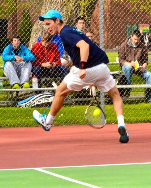 Andy R. teaches tennis lessons in Santa Monica, CA